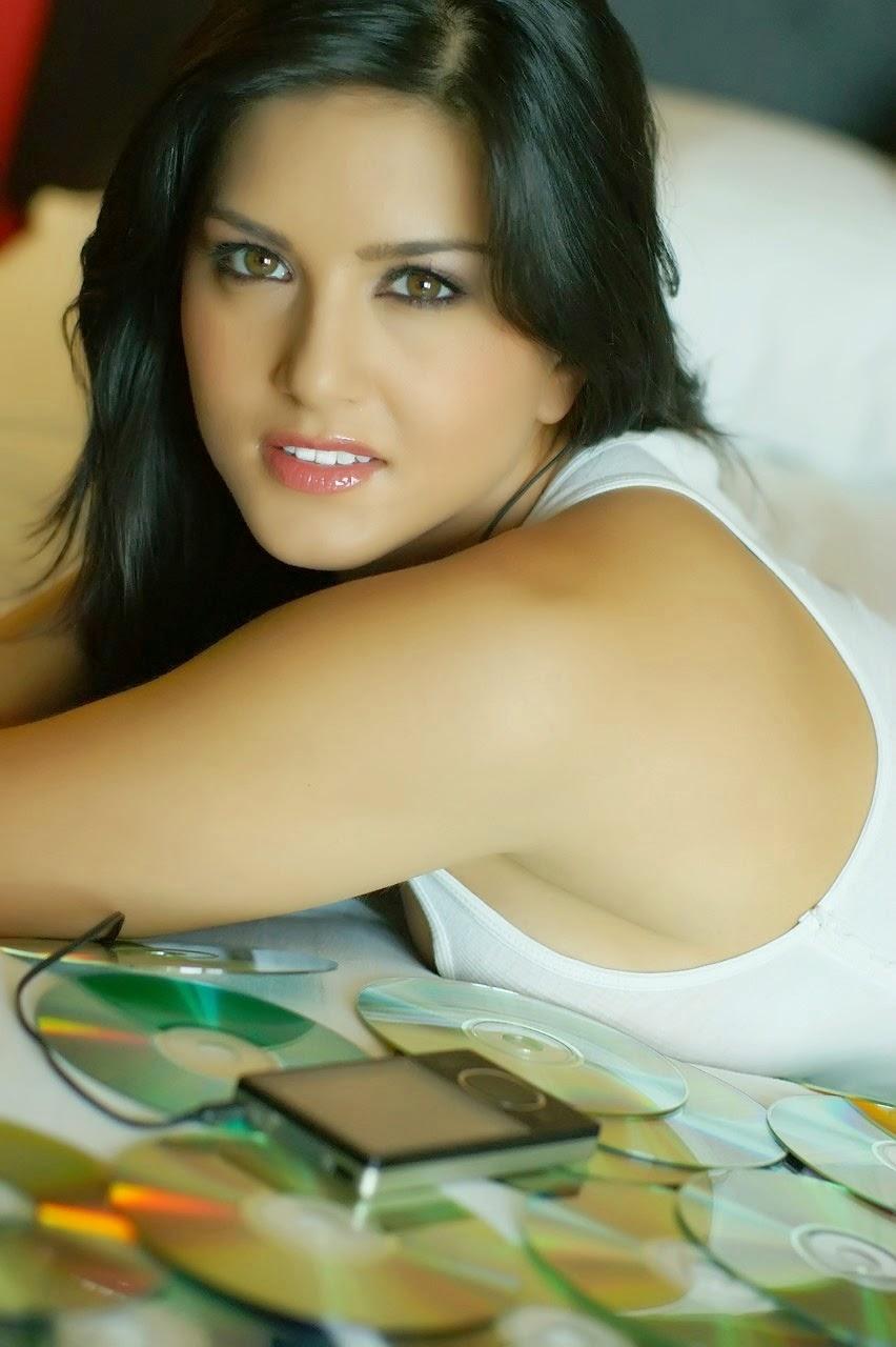 Sunny Leone Hot HD Wallpapers Album