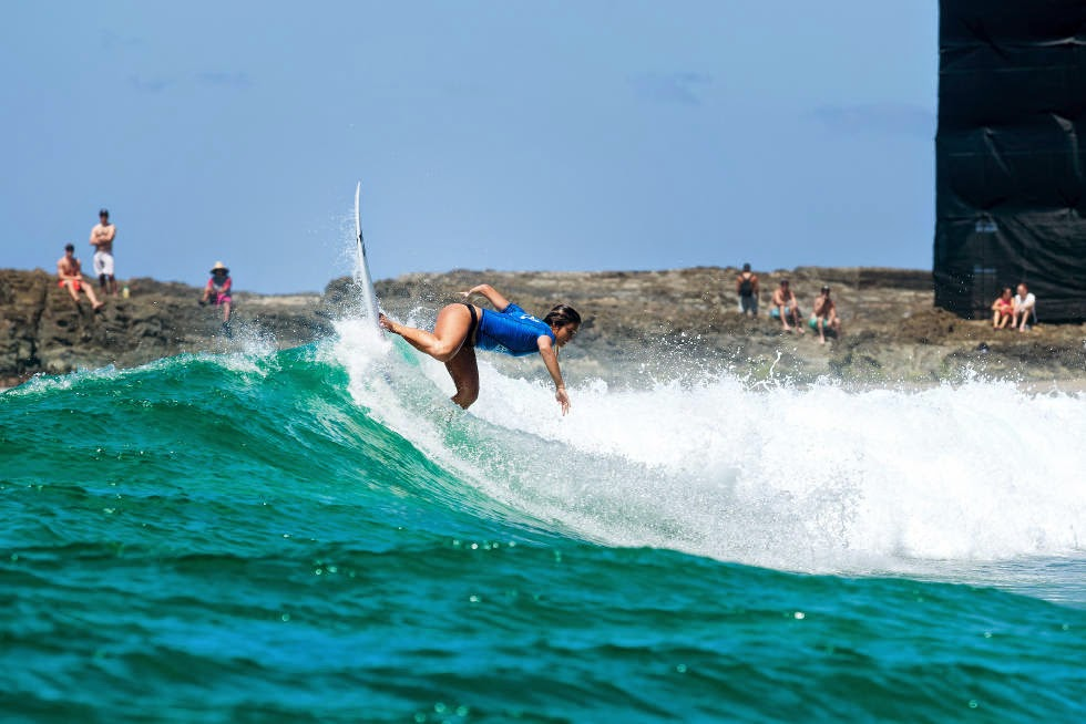 10 Roxy Pro Gold Coast 2015 Alessa Quizon Foto WSL Kelly Cestari