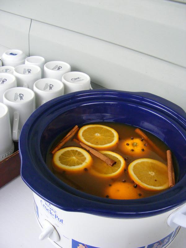 ... Homemaking: {SavourTheSeason} Day 15: Crockpot Spiced Hot Apple Cider