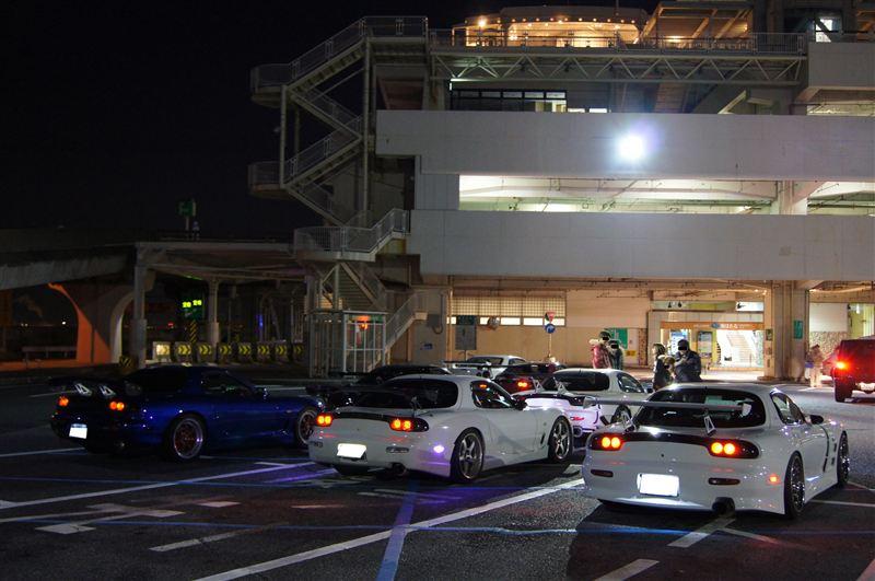 Mazda RX-7 FD, nocna fotografia, samochody nocą, auta po zmroku, wieczorem, mrok, japońskie, motoryzacja, JDM, tuning, zdjęcia, photos, at night, cars, photography