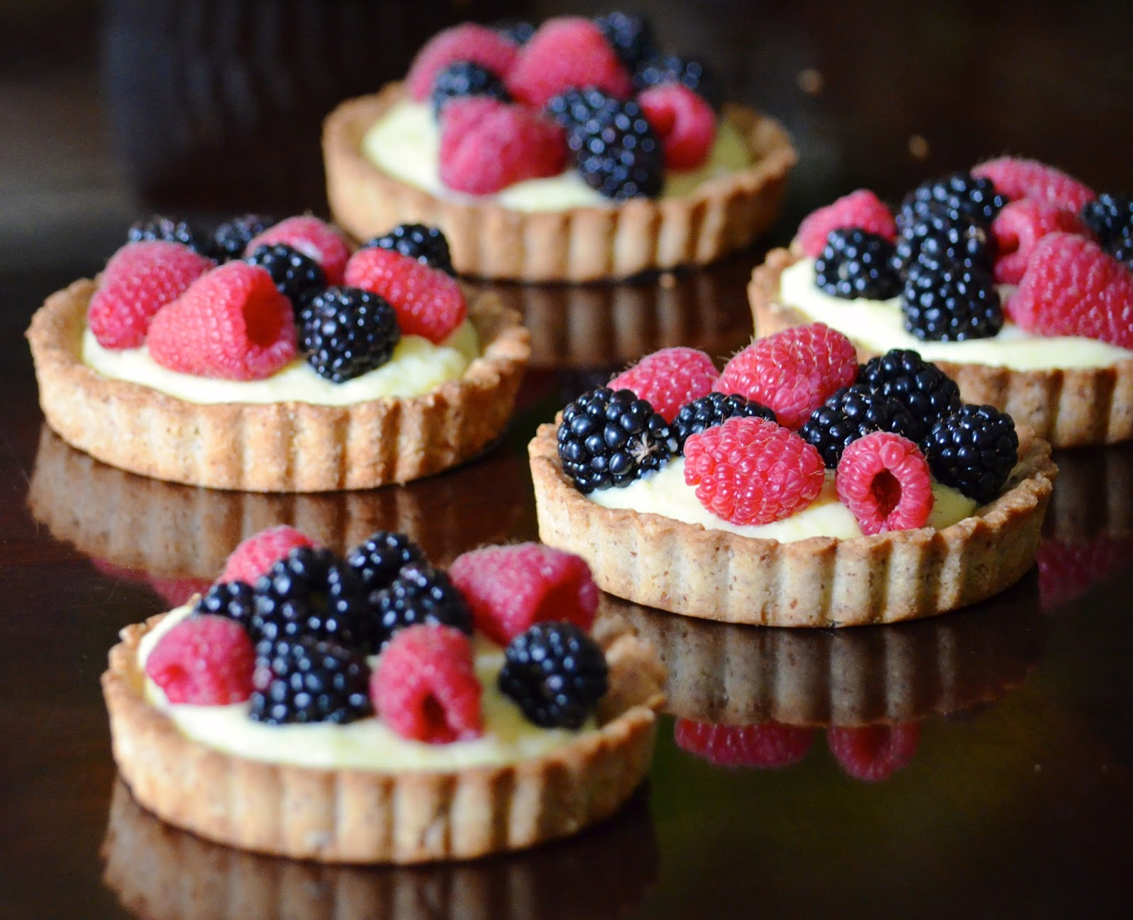 fruit mixed berry almond tart
