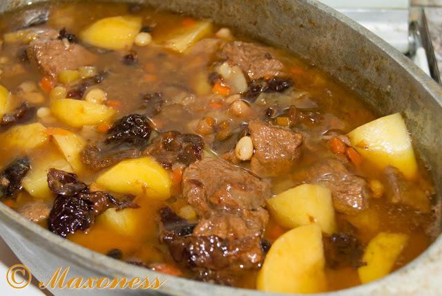 Жаркое из говядины с черносливом. Украинская кухня.