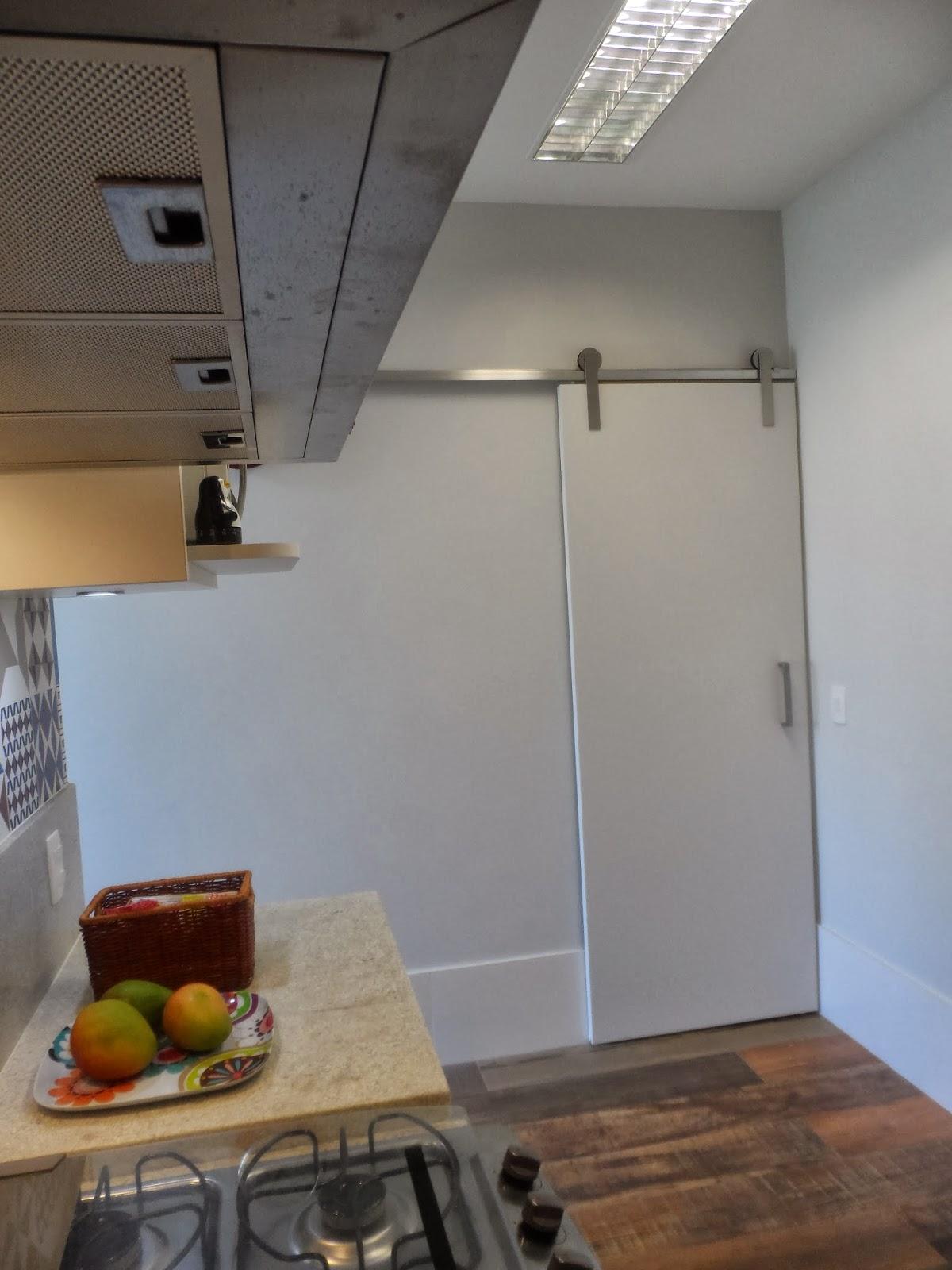 Reforma de cozinha área de serviço e dependências de empregada na  #826B49 1200 1600