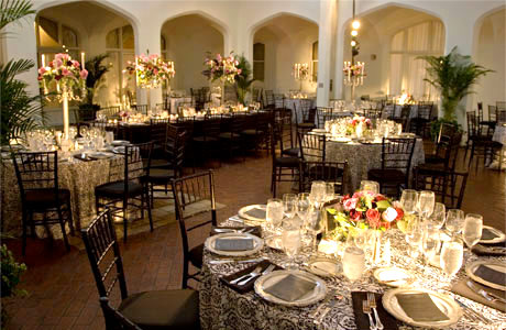 Setup Ideas for a Wedding Reception | MEHNDI-DISIGNS