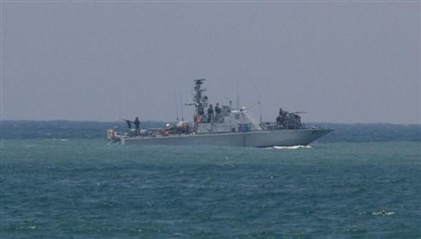 Pirataria: Marinha israelense aborda navio do comboio humanitário que seguia a Gaza