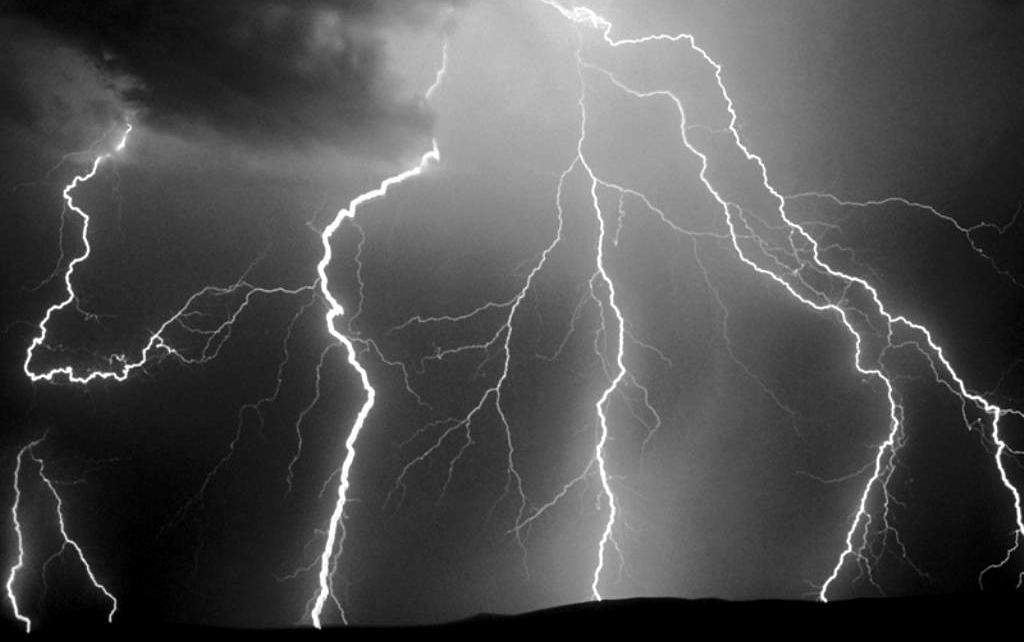 ¿Existen los huracanes eléctricos?