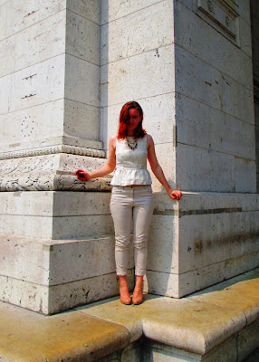 Arc de Triomphe white and gold peplum chinos corner