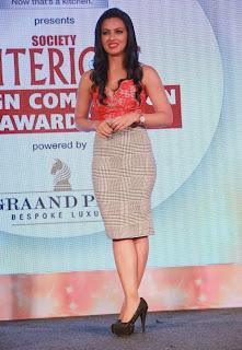 Sana Khan enchanting beauty in red Deep Neck Top and Long Skirt at Society Interior Awards 2015