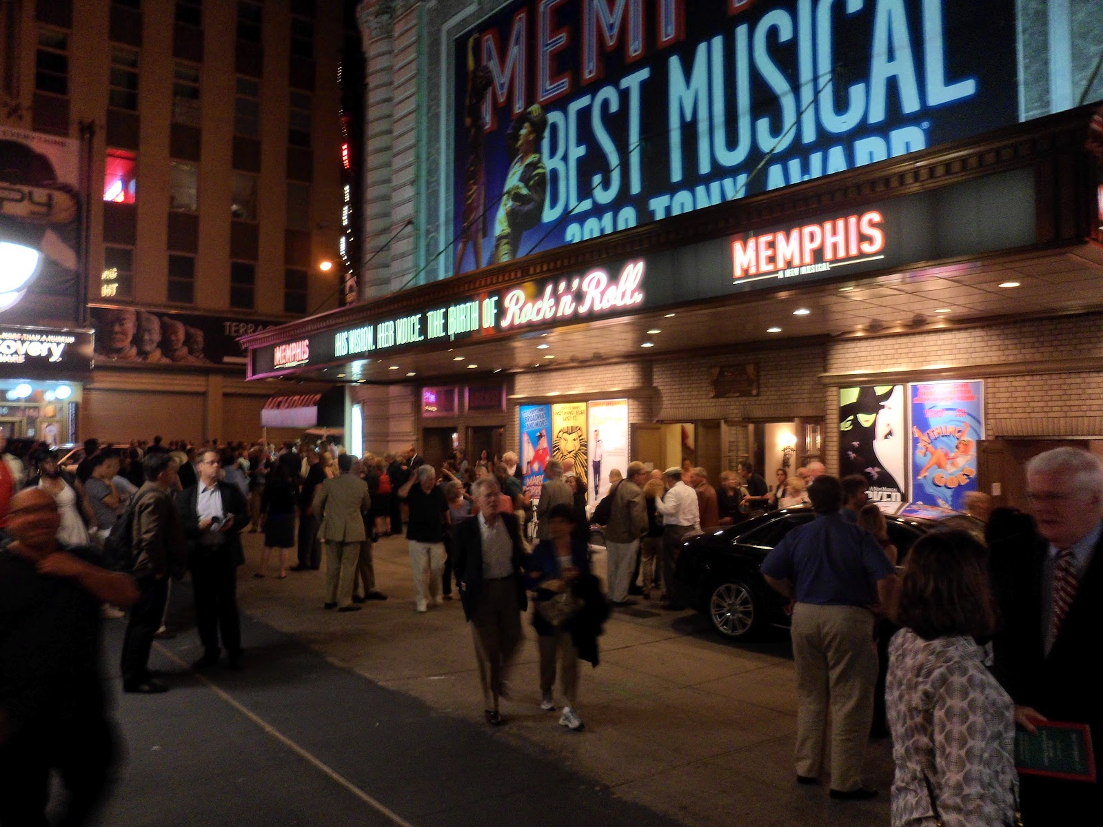 shubert chat Shubert theatre on broadway seating chart skylar astin, betsy wolfe, and cast are learning how to succeed in business without really trying.