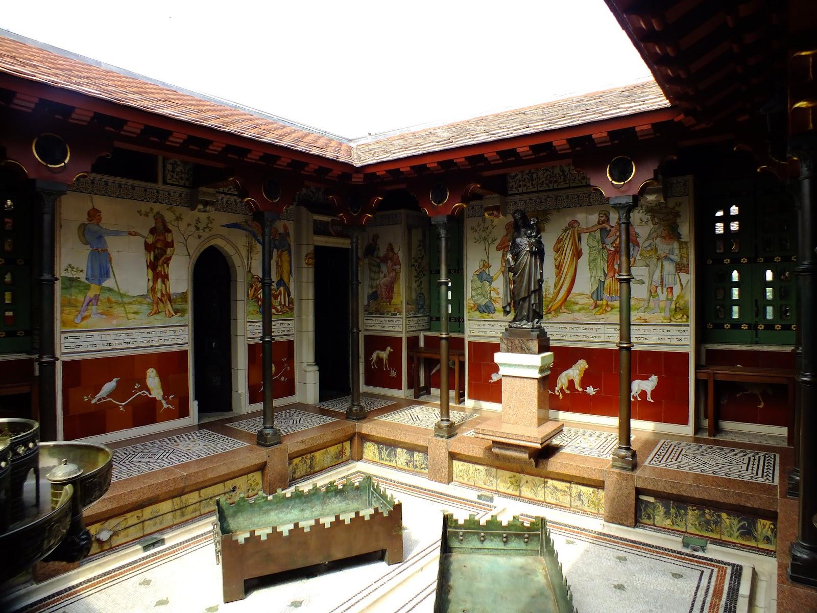 królewski basen na poddaszu