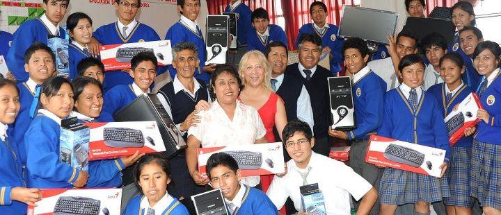 Juan Pablo II School Moron-Peru 2011