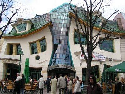 44 7 Rumah dengan Desain Paling Unik di Dunia
