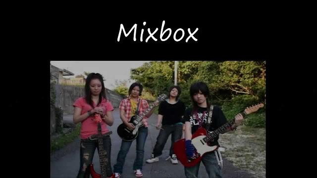 MIXBOX Üyeleri (Sağdan Sola): Kitajima Nohana (Bas), Saki (Gitar), Yamanoha Shiho (Davullar), Haraguni Aimi (Gitar ve vokal)