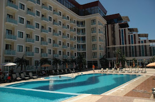 elegance-resort-hotel-yalova-swimming-pool