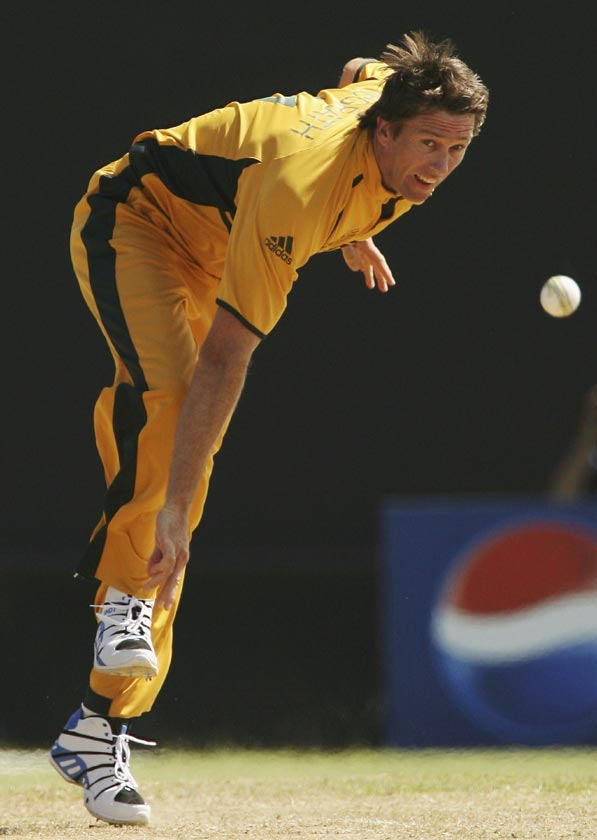 About Glenn McGrath /BioGraphy/Images/Career Statistics/Personal ...