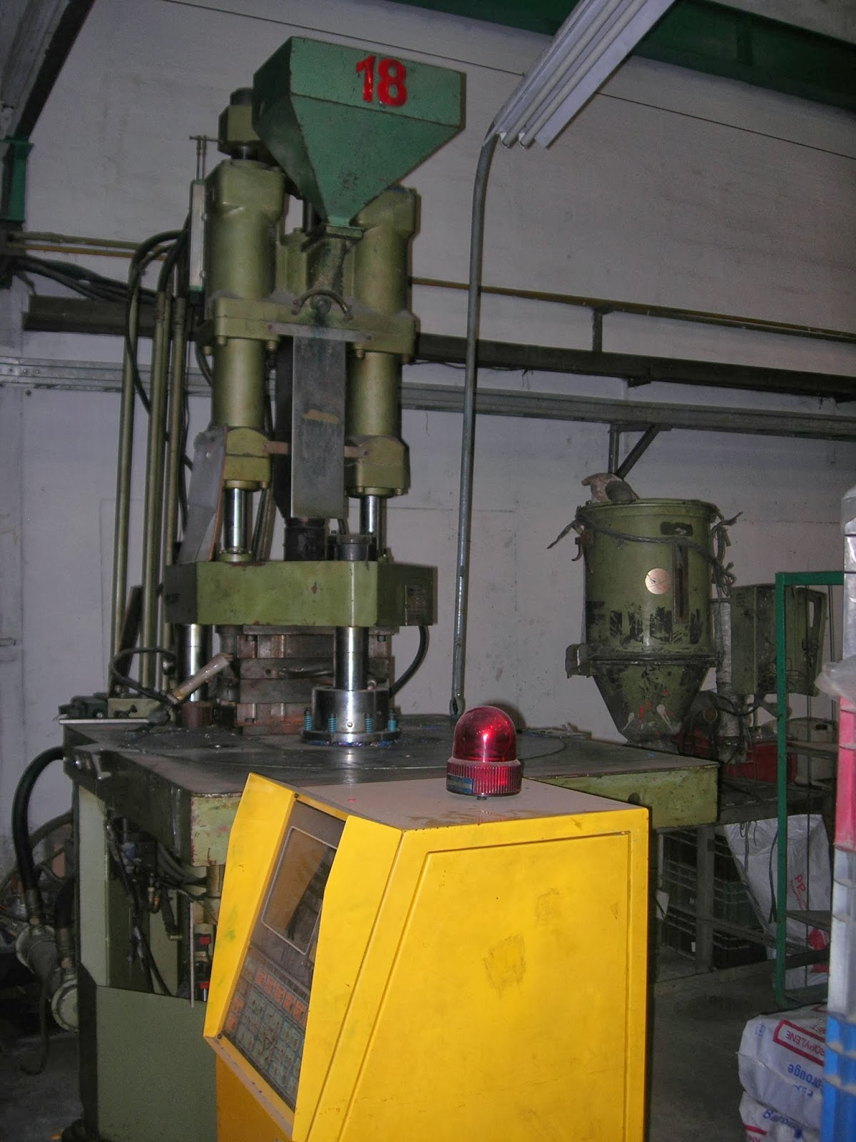Mesin Injection Second Hand Mesin Injection Moulding Second