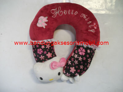 Bantal Leher Hello Kitty in Love
