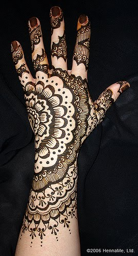 Mehndi Hands Profile Picture : Solasinghaar beautiful mehndi designs hands
