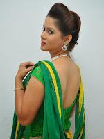 Shilpa Chakravarthy sizzling in green-cover-photo