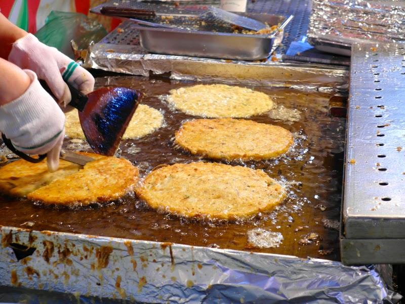 Ewha University Summer Studies Program Travel Seoul Korea Food Bindaetteok Gwangjang Market lunarrive blog singapore
