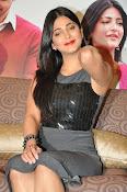 Shruti haasan new glamorous photos-thumbnail-11