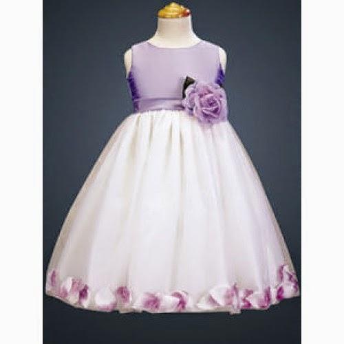 Vestido con Petalos, Niña de las Flores
