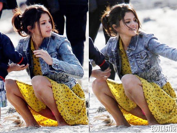 Descuido De Selena Gomez En La Playa