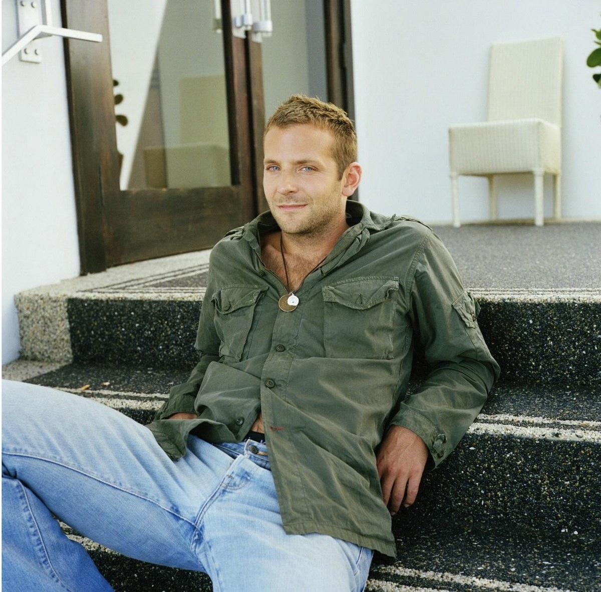 http://1.bp.blogspot.com/-9dJjXDzDVyk/TtRA98agtGI/AAAAAAAAAG4/gC_FlK-geSU/s1600/Bradley-Cooper-26.jpg