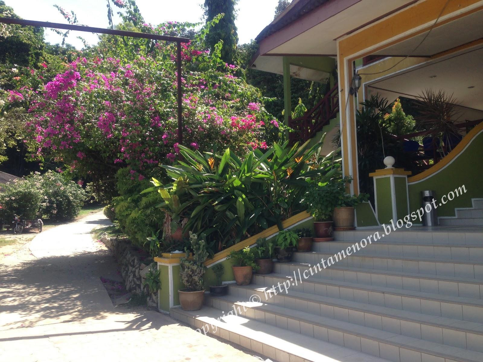 pintu masuk ke d'puteri kurnia resort