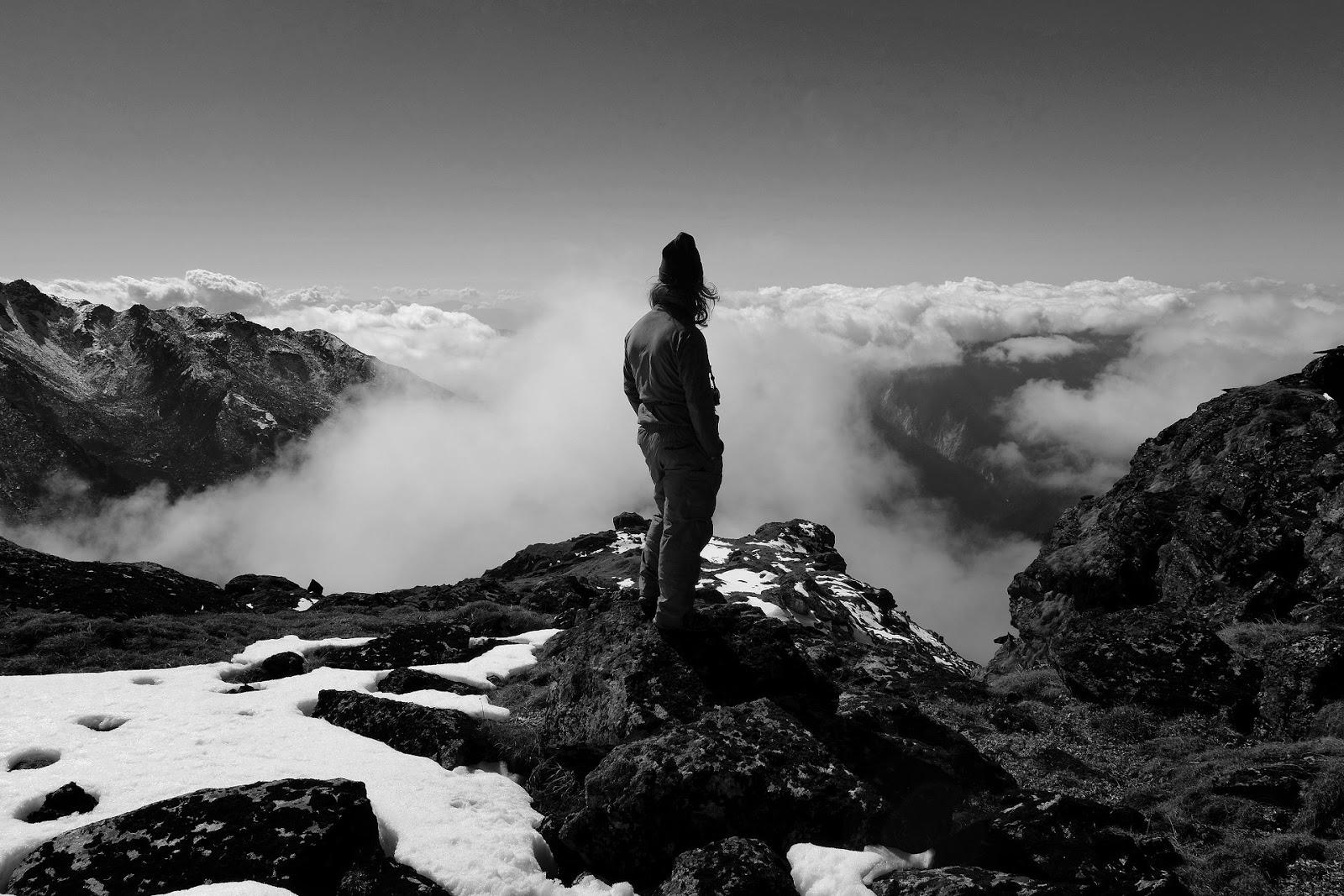 The Clouds Beneath My Feet, Kanchenjunga-2013. Где-то между Tseram и Ghunsa на высоте 4700 метров | автор Олег Бартунов