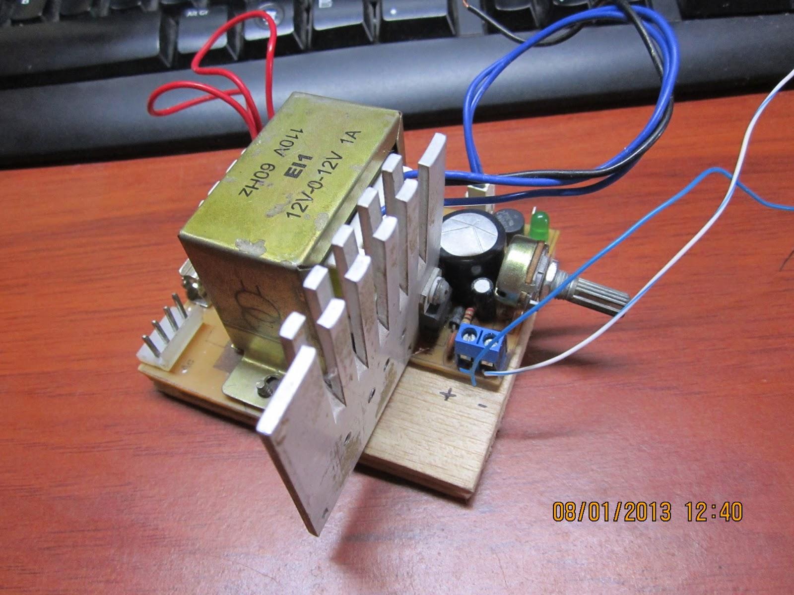 Fuente de Poder de 0 a 30 Voltios LM317T