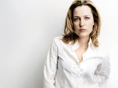 Gillian Anderson Lovely Wallpaper