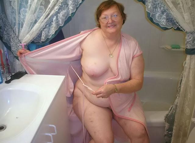 oh horny bbw granny teases stephani as soon as naked girl