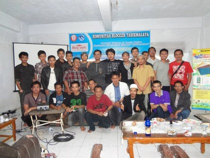 foto bersama komunitas blogger tasikmalaya
