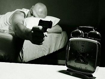 budzik, alarm, timer, sen, pistolet, łóżko