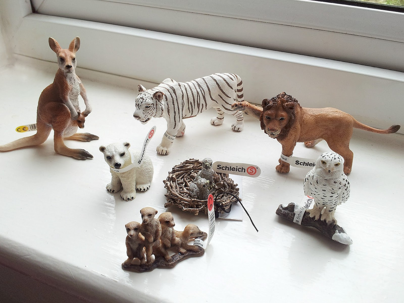 Toys From Africa : Schleich toys figurines and play sets autos post