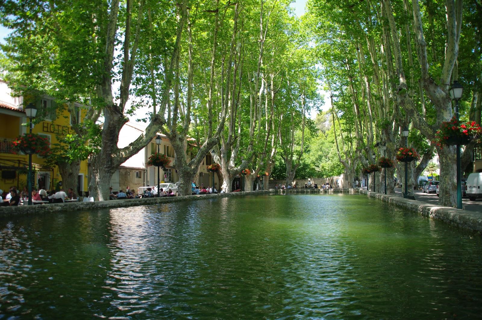 St ph and delph dimanche en vaucluse for Les plus beaux villages des yvelines