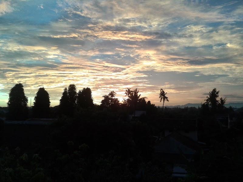 Cara Gue Nikmatin Matahari 'Berpulang'