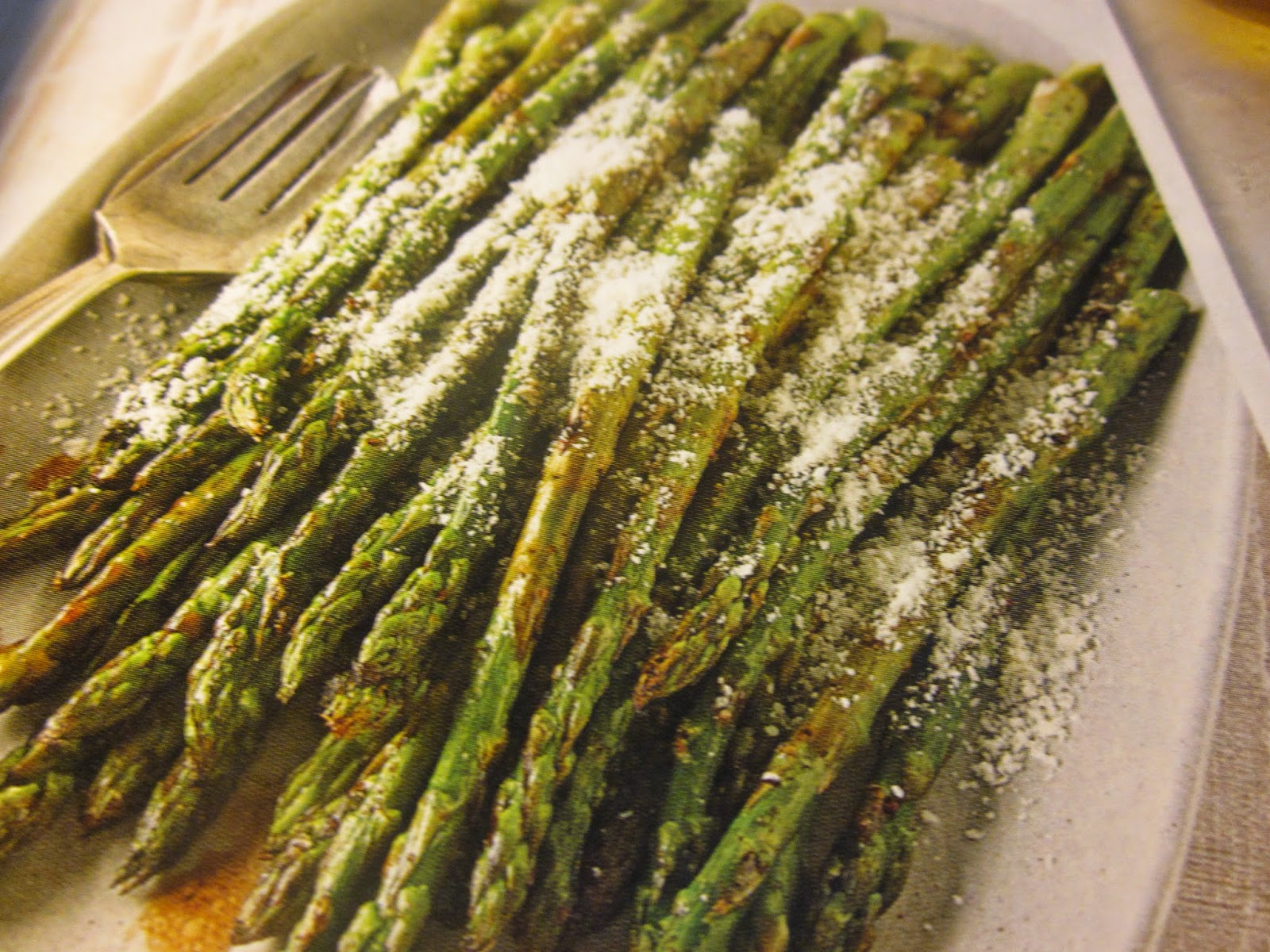 QUICK FIX RECIPES: GRILLED ASPARAGUS WITH PARMESAN
