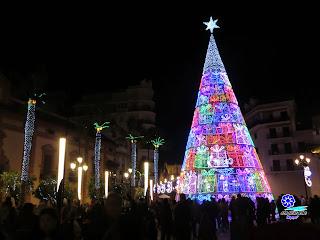 "Sevilla - Alumbrado navideño 2014 - Puerta de Jerez - Abeto ""Caser"""