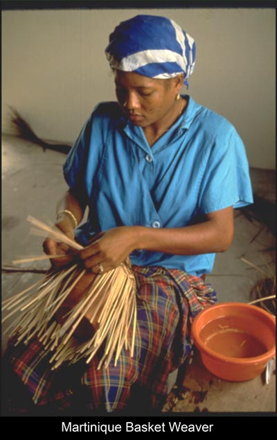 &lt;img src=&quot;image.gif&quot; alt=&quot;Martinique Basket Weaver&quot; /&gt; 