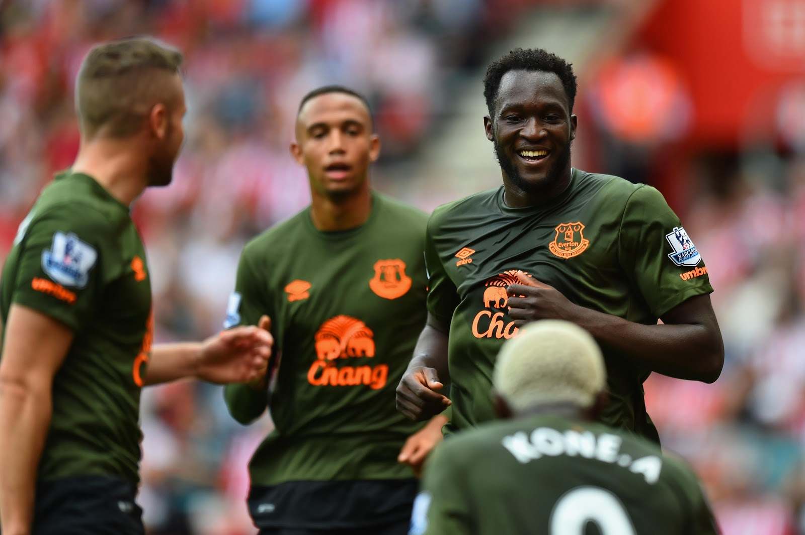 Bold Everton 15-16 Third Kit | Unneeded On-Pitch Debut ...