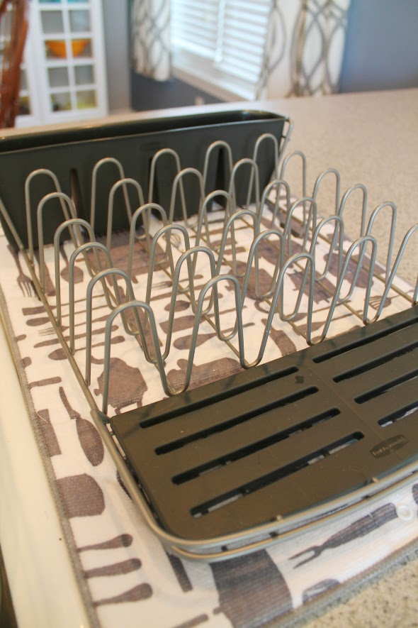 A Food Blogger's Kitchen and Rubbermaid Deluxe Drainer and  #RMDishRack #PMedia #ad