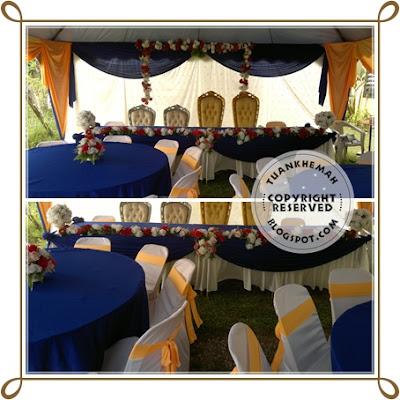 Set meja makan di bawah kanopi untuk 2 pasangan pengantin ^_^