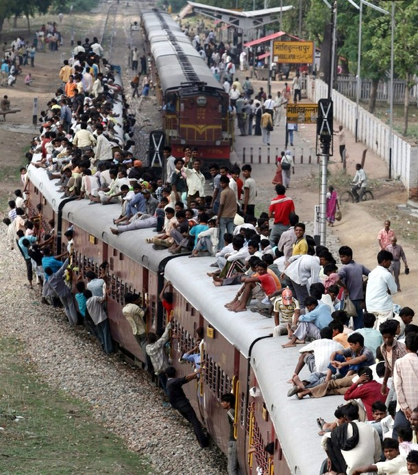 traveling+on+train+in+india+%25284%2529.jpg