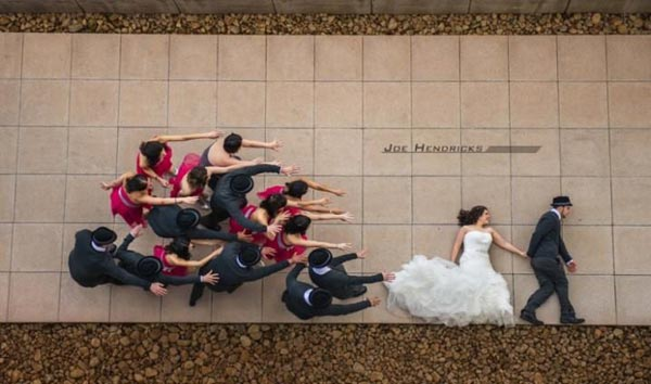 20 Of The Most Creative Wedding Photos That Will Make You Smile