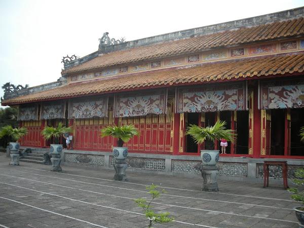 Templo Hung Mieu. Ciudadela de Hue (Vietnam)