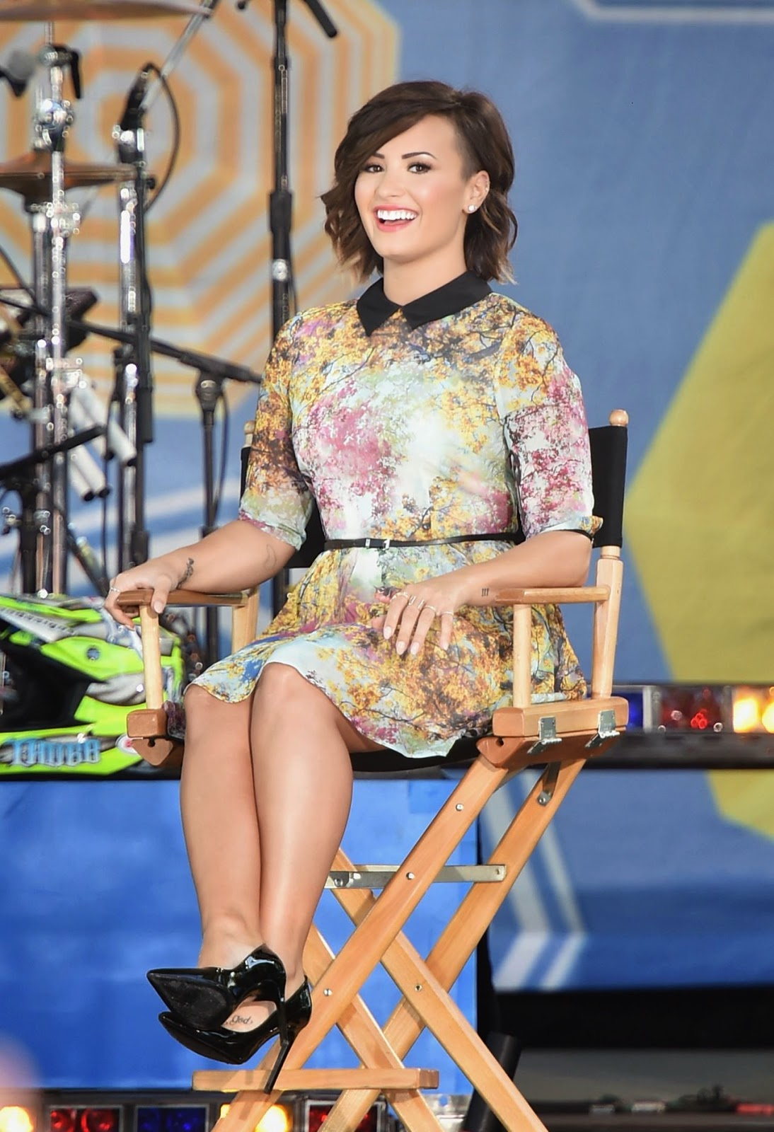 Demi Lovato attends Good Morning America in a Ted Baker London dress