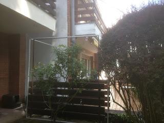 Terrasse mit Katzennetz absichern