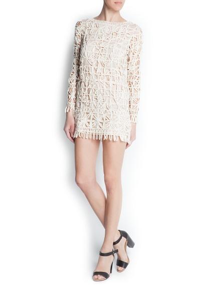 dantel detaylı krem rengi elbise modeli